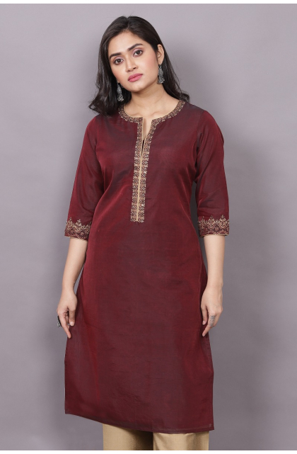 MAROON EMBROIDERED CHANDERI EXCLUSIVE TROUSER SET