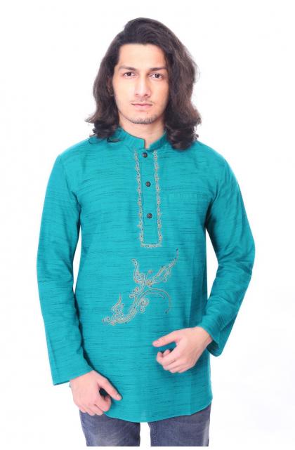 Green Embroidered blended cotton Short Kurta